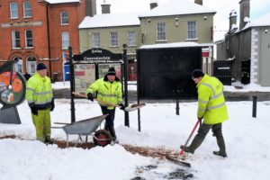 Council workers helping to clear the way!